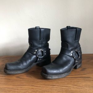 Frye Harness Boot size 7.5 color black